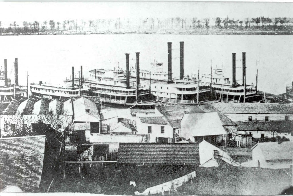 Steamboats docked at Vicksburg, circa 1866. As long as the Confederacy controlled Vicksburg , they could deny use of the Mississippi River to Northern shipping.